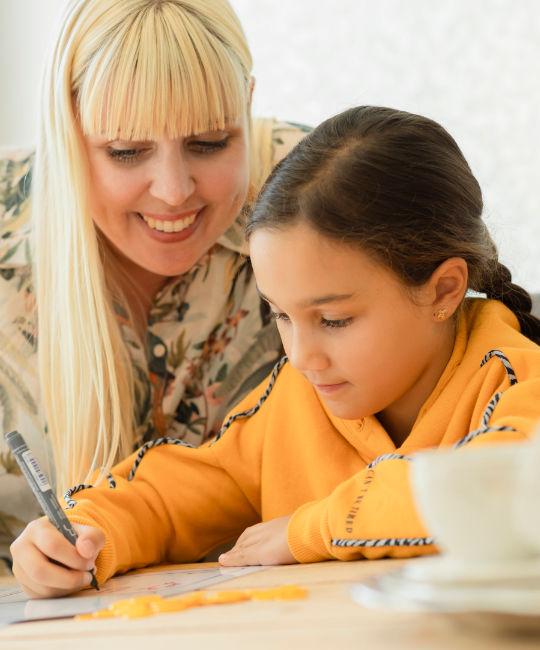 Kind krijgt dyslexie behandeling