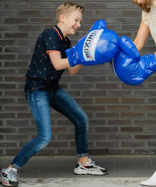 Jongen krijgt orthopedagogische training